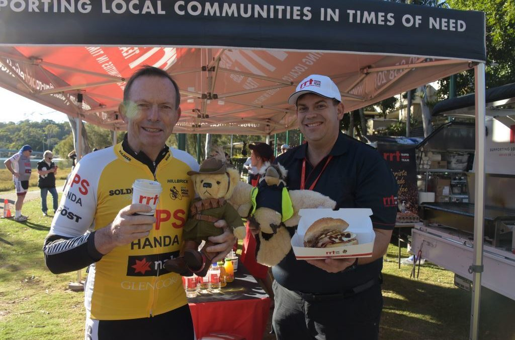 Tony Abbott @ Pollie Pedal with RRT volunteer