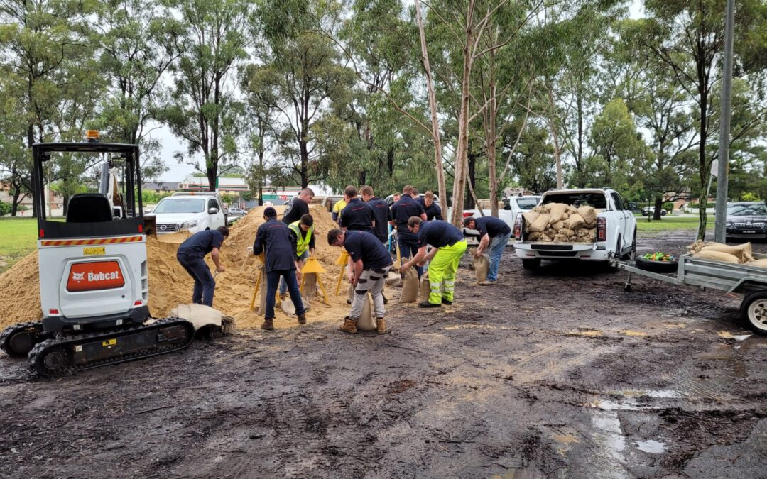 WESTERN SYDNEY LOCALS INVITED TO GRAB SANDBAGS IN FLOOD BATTLE